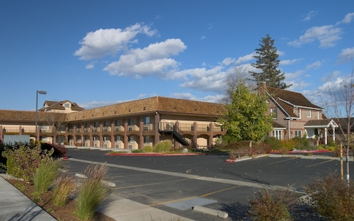 Carson Valley Motor Lodge