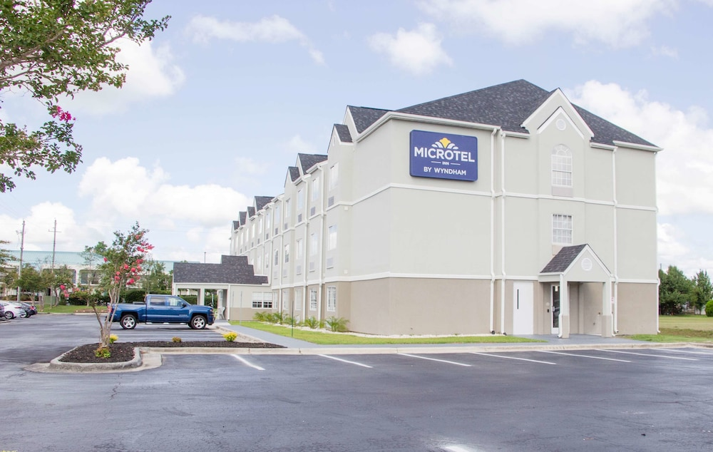 Exterior, Microtel Inn & Suites by Wyndham Camp Lejeune/Jacksonville