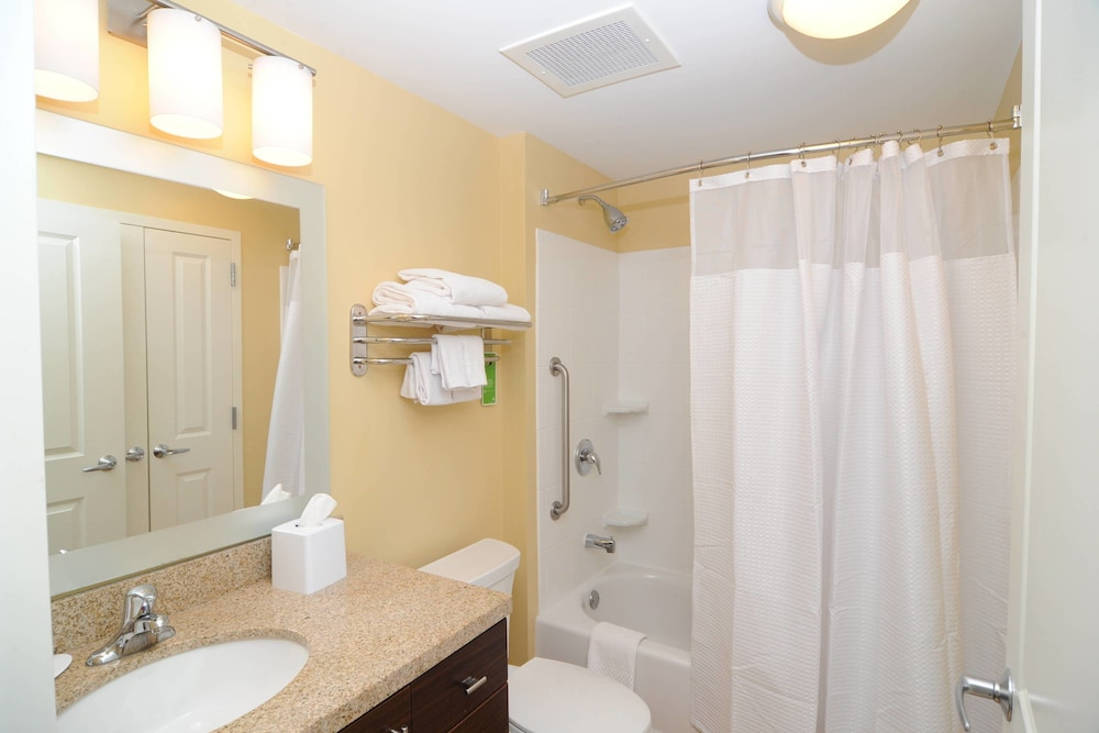 Bathroom, TownePlace Suites Billings