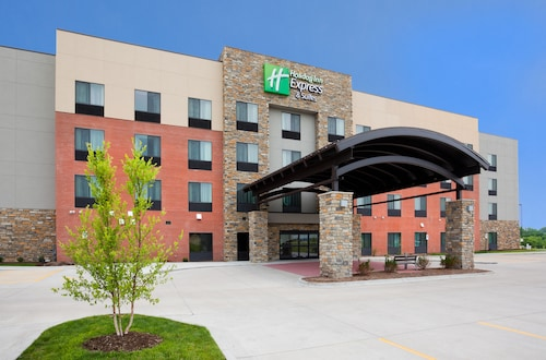 Holiday Inn Express & Suites Davenport