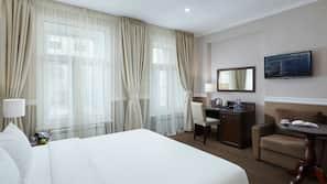 窗簾、熨斗/熨衫板、免費嬰兒床、免費 Wi-Fi