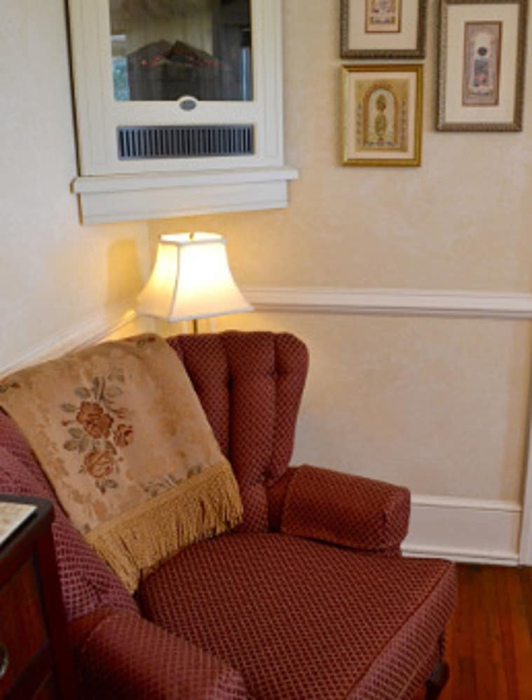 Living Area, Abbington Green Bed & Breakfast Inn