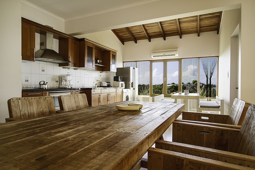 Private Kitchen, The Bellafonte - Luxury Oceanfront Hotel