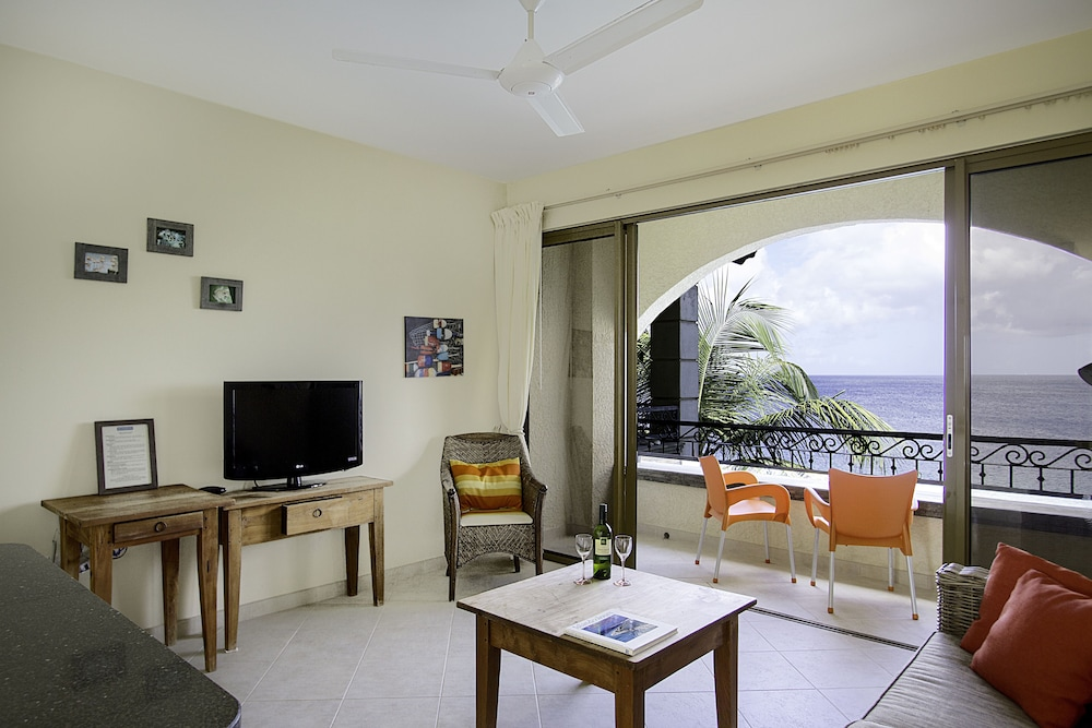 Room, The Bellafonte - Luxury Oceanfront Hotel