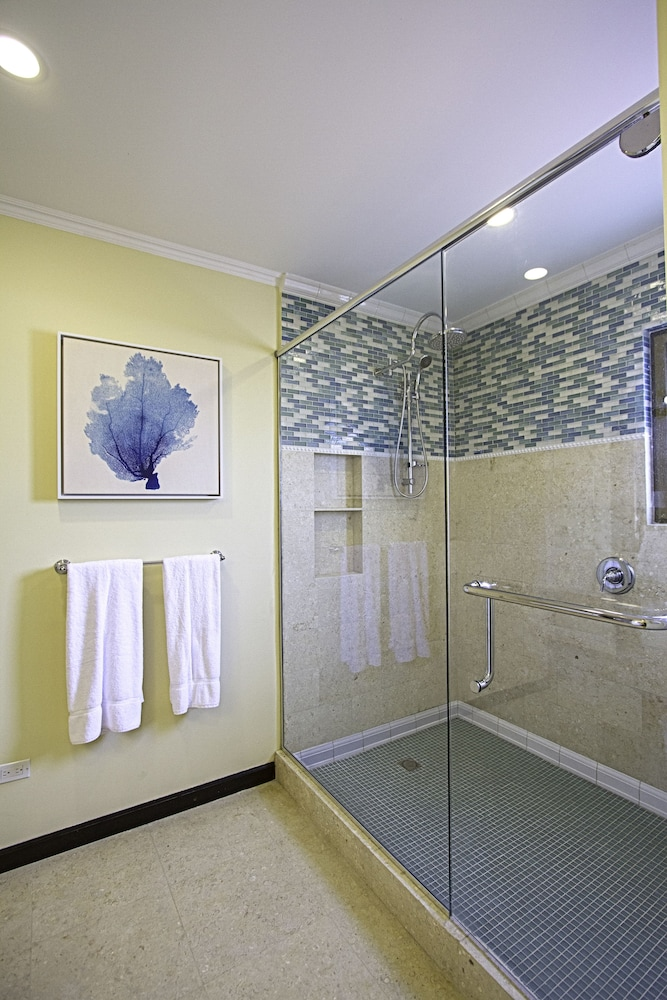 Bathroom Shower, The Bellafonte - Luxury Oceanfront Hotel