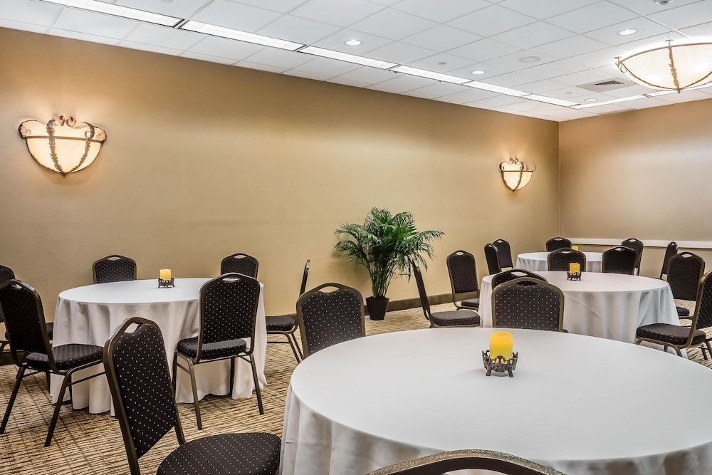 Meeting Facility, Comfort Suites Near Casinos