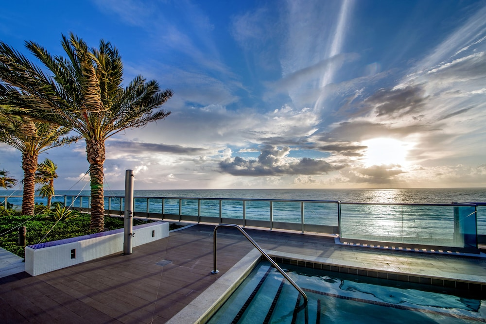 Mare Azur Miami Luxury Apartments By Montecarlo Beach 2018 Reviews Hotel Booking Expedia Sg