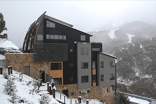 Top Luxury Snowy Mountains Hotel Deals Elevation Thredbo Apartments