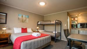 Cots/infant beds, bed sheets