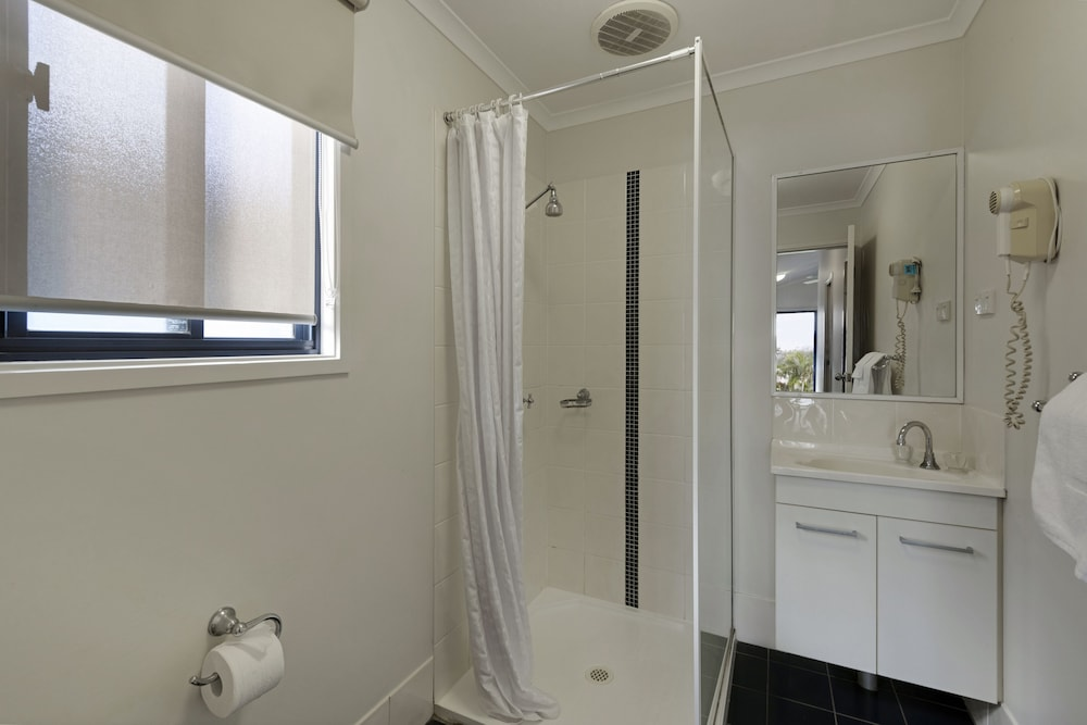 Bathroom Shower, Discovery Parks – Ballina