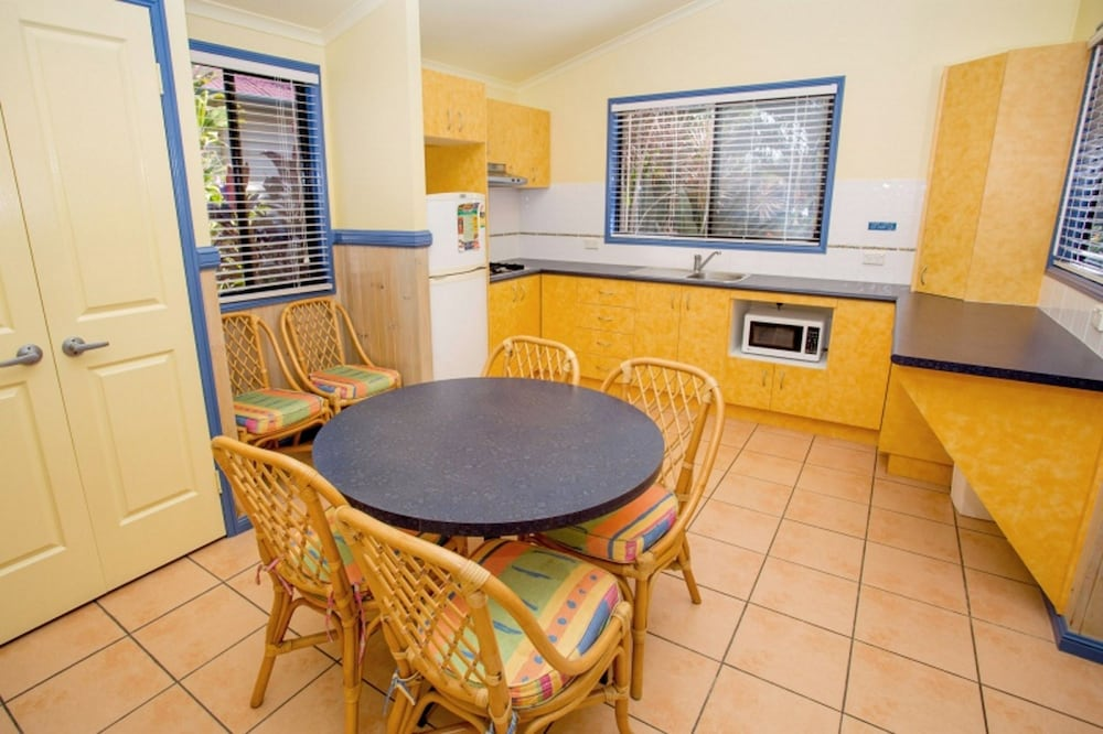 In-Room Dining, Discovery Parks – Ballina