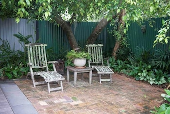5 Burns St, Byron Bay, NSW 2481, Australia.