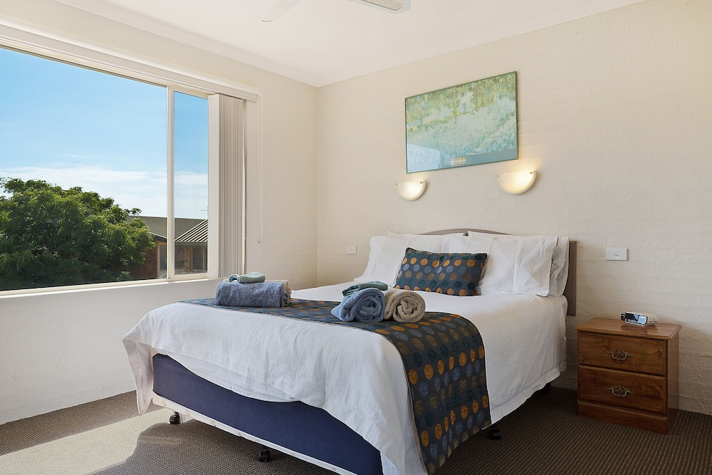Baywatch Luxury Apartments 4 0 Out Of 5 View From Hotel Featured Image Guestroom