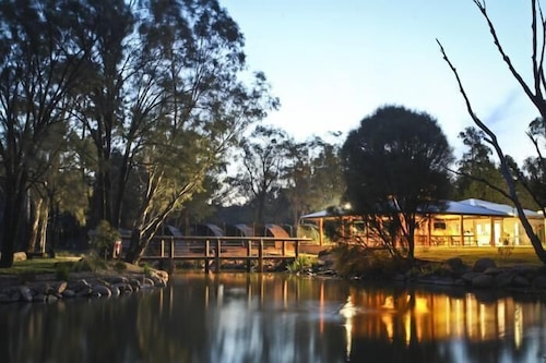 Billabong Camp, Taronga Western Plains Zoo