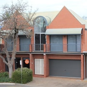 Adelaide DressCircle Apartments - Specialty Accommodation