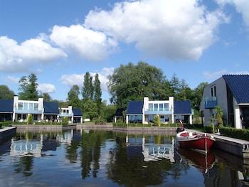 Loosdrecht Rien van den Broeke Village