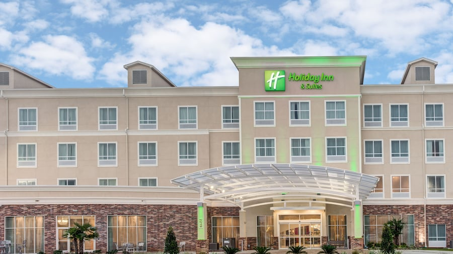 Holiday Inn Hotel & Suites Lafayette North, an IHG Hotel