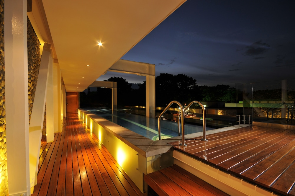 Infinity Pool, AcquaSanta Lofts Hotel