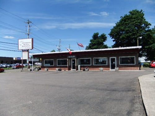 Stonehouse Motel and Restaurant