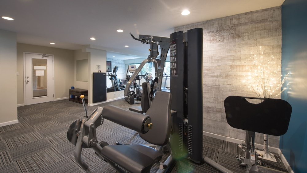 Fitness Facility, Gibsons Garden Hotel