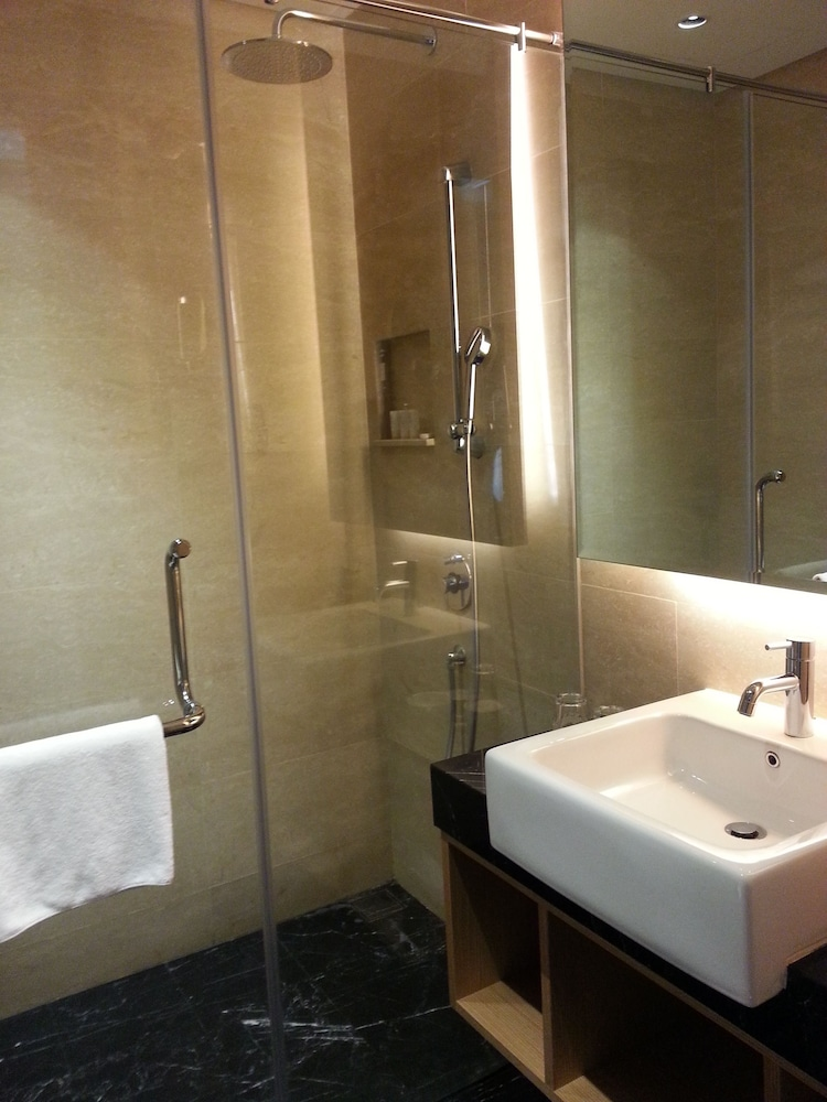 Bathroom, The Light Hotel Penang
