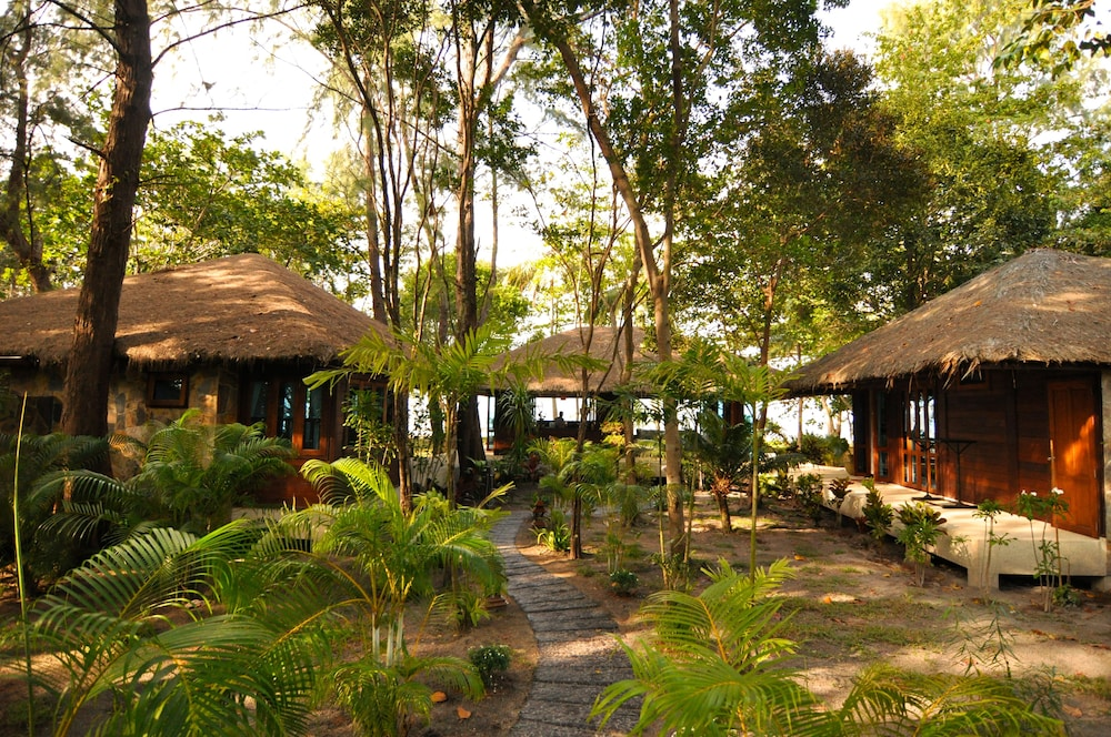 "Property Grounds, Koh Jum Beach Villas ""A member of Secret Retreats"""