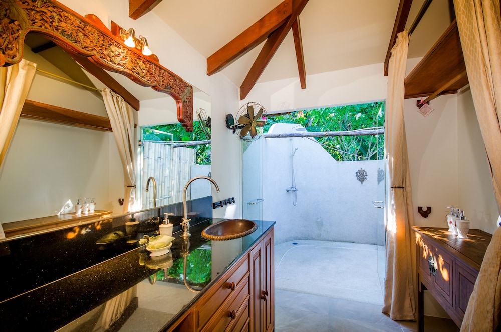 "Bathroom Shower, Koh Jum Beach Villas ""A member of Secret Retreats"""