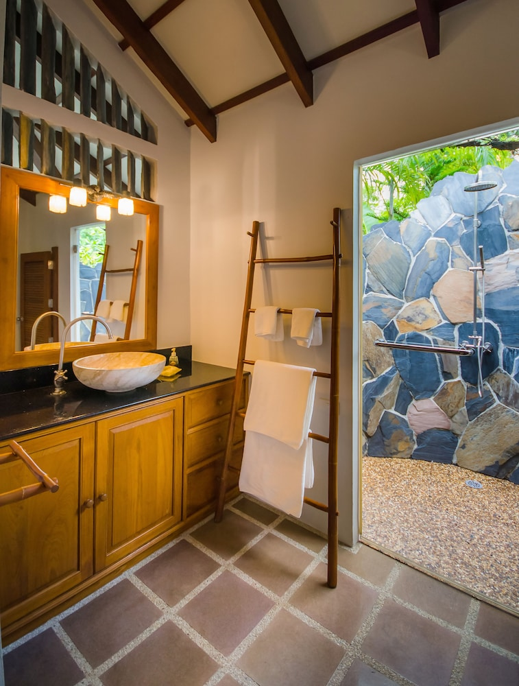 "Bathroom, Koh Jum Beach Villas ""A member of Secret Retreats"""