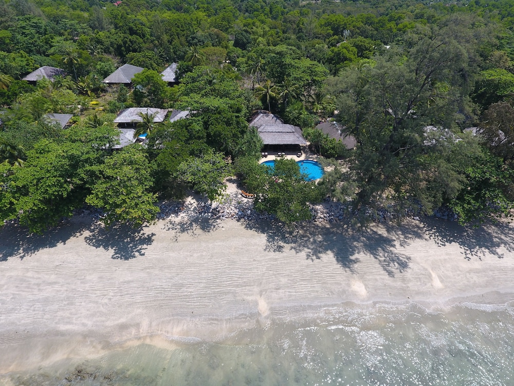 "Aerial View, Koh Jum Beach Villas ""A member of Secret Retreats"""