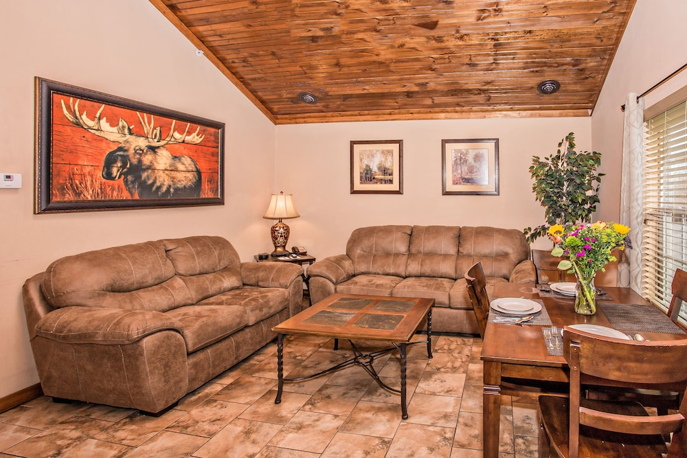 Living Area, The Lodges at the Great Smoky Mountains