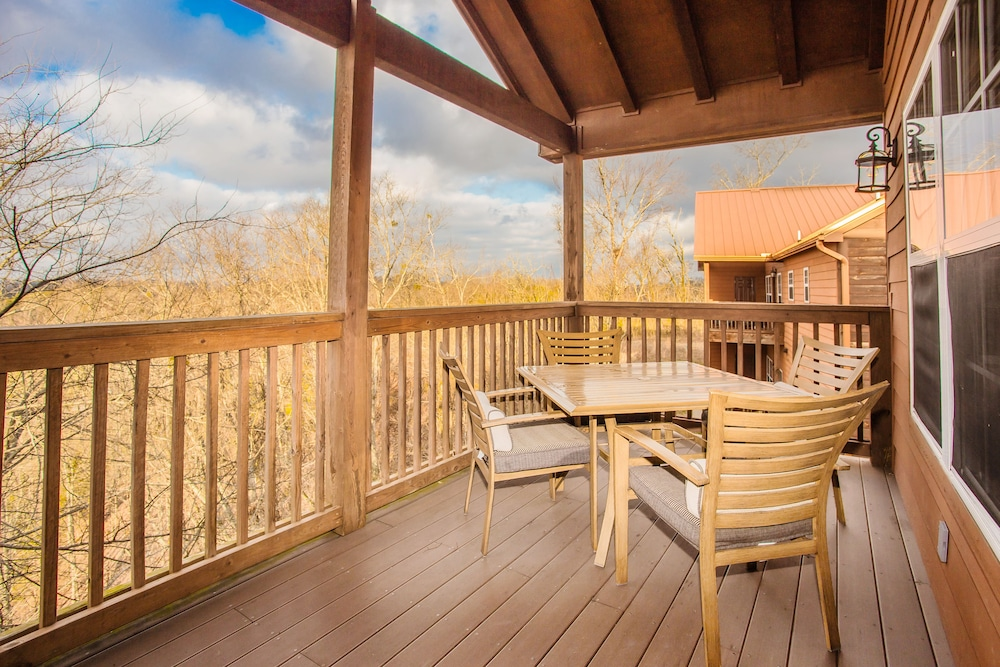 Balcony, The Lodges at the Great Smoky Mountains