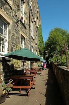 15 Johnston Terrace, Edinburgh, EH 2PW, Scotland.