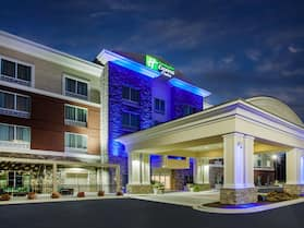 Holiday Inn Express & Suites Lexington Park-California, an IHG Hotel