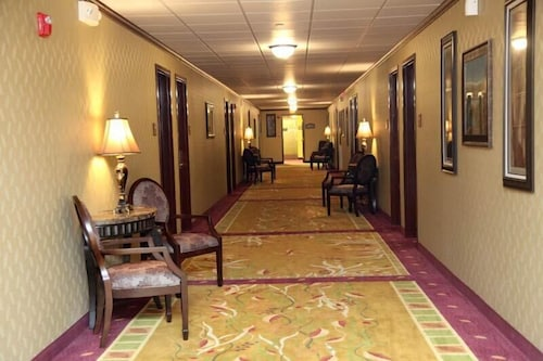 Hallway, Salvatores Grand Hotel