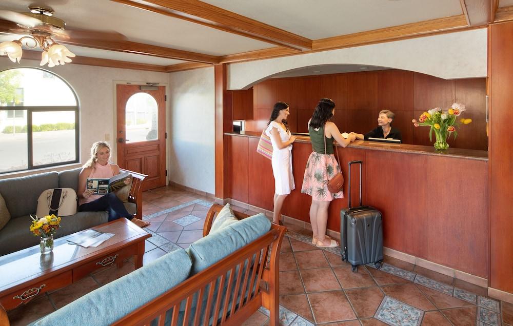 Roman Spa Hot Springs Resort In Calistoga Ca Expedia