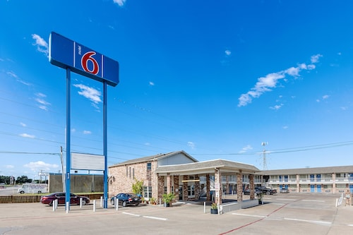 Great Place to stay Motel 6 Fort Worth Convention Center near Fort Worth