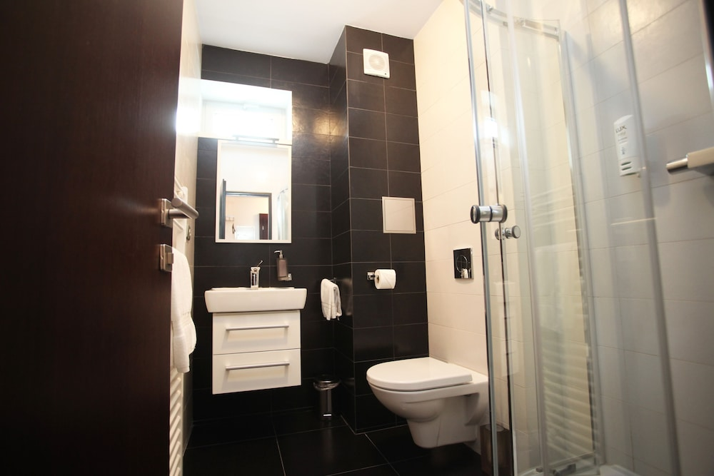 Bathroom, Hotel Preuge