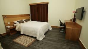 Desk, iron/ironing board, free WiFi, wheelchair access