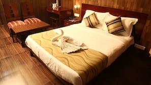 书桌、折叠床/加床(额外收费)、免费 WiFi
