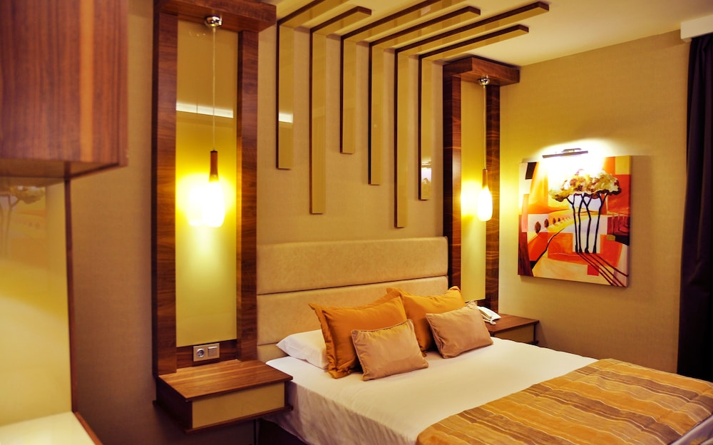 Featured Image, Avin Hotel