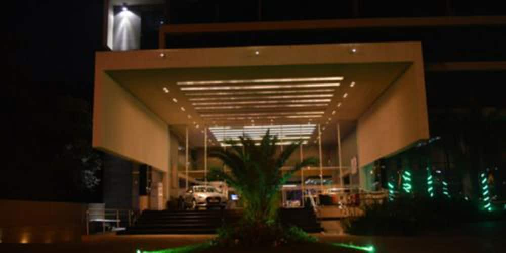 Front of Property - Evening/Night, Savoy Hotel Encarnación