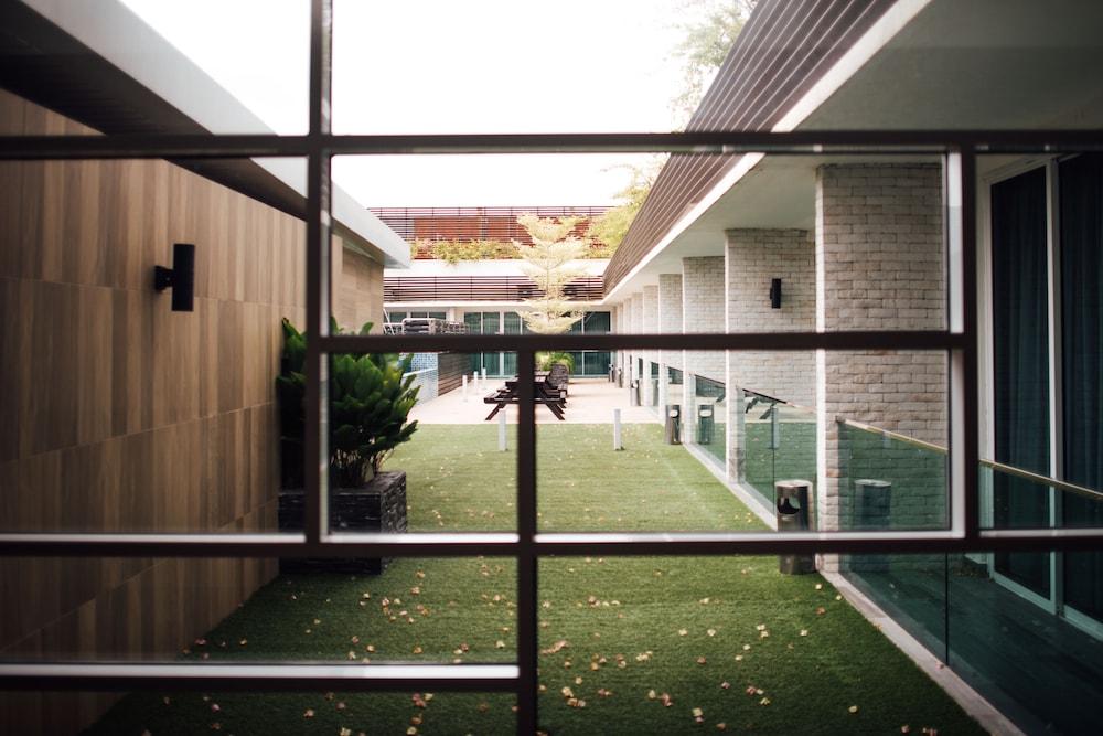 Sfera Hotel Seri Manjung, MYS - Best Price Guarantee   LastMinute f2c1d18dae82