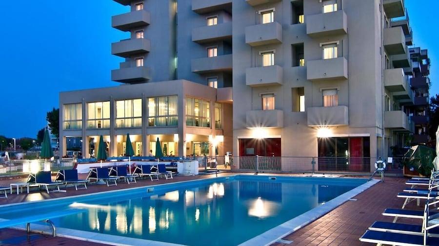 Hotel St. Gregory Park