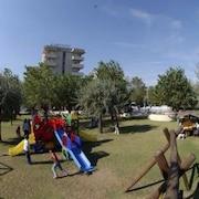 Area giochi per bambini (all'aperto)
