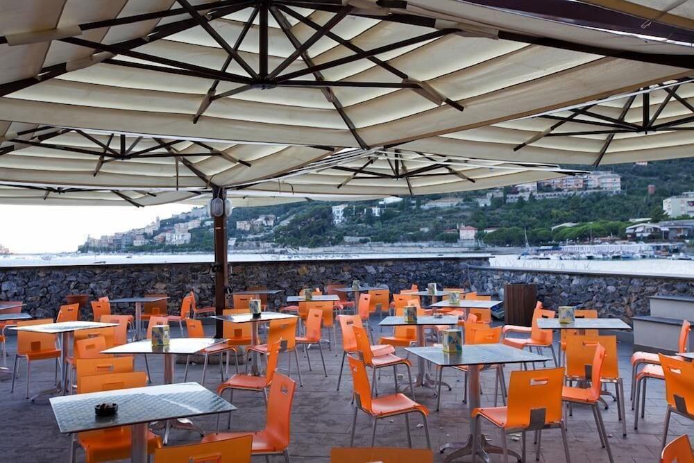 Book Le Terrazze di Portovenere | Portovenere Hotel Deals