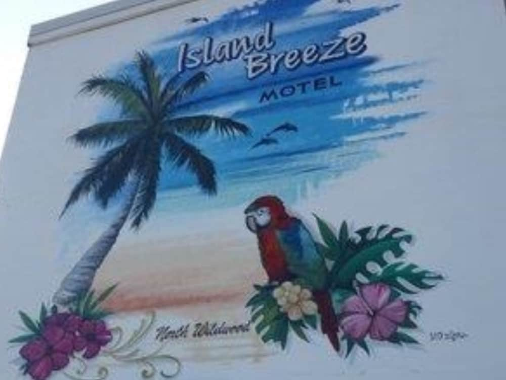 Exterior, Island Breeze Motel