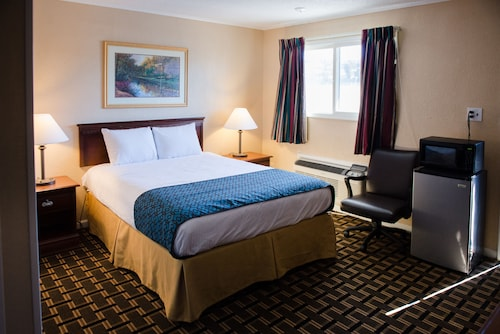 Check Expedia for Availability of Grand View Plaza Inn & Suites
