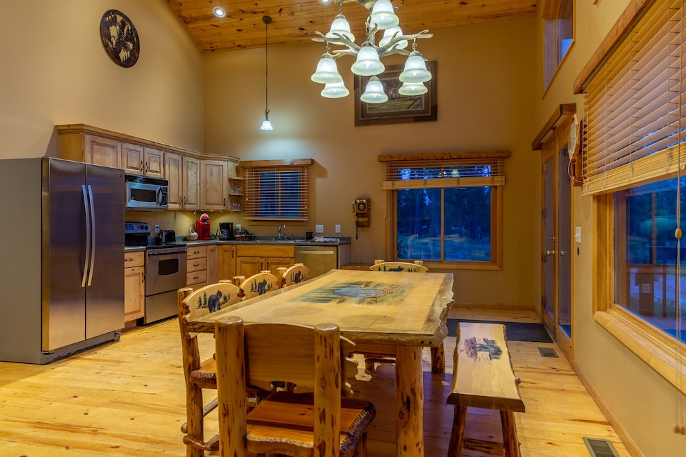 Private Kitchen, Lodge at Palmer Gulch