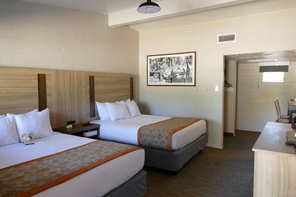 Room, Yavapai Lodge - Inside the Park