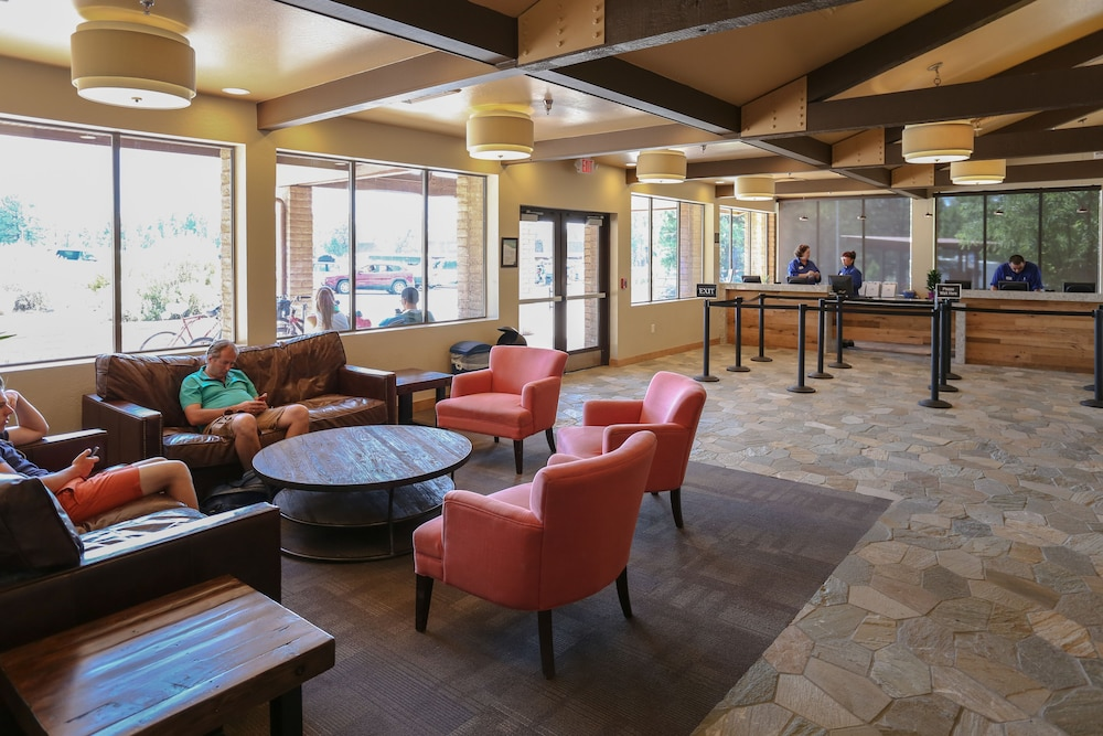 Lobby Sitting Area, Yavapai Lodge - Inside the Park